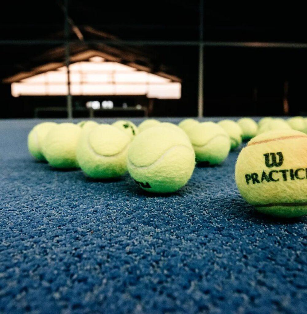 Tennisbälle Tennishalle Merzig